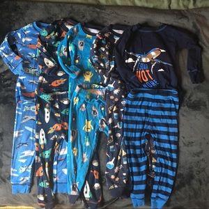 Bundle of 5 long sleeves pajamas